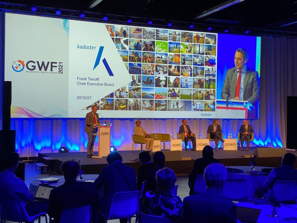 Перший день Всесвітнього геопросторового форуму в Нідерландах